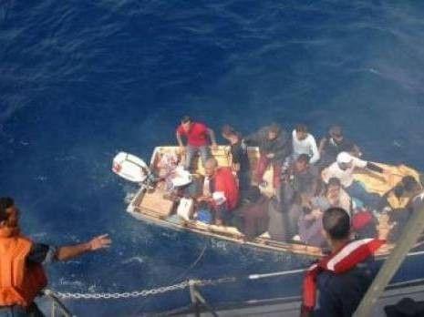 arrestation de 25 Harragas à bord d'un esquif
